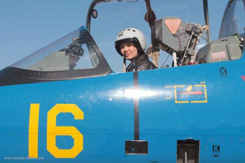 Femme_pilote_Kazakhstan_A102_L-39