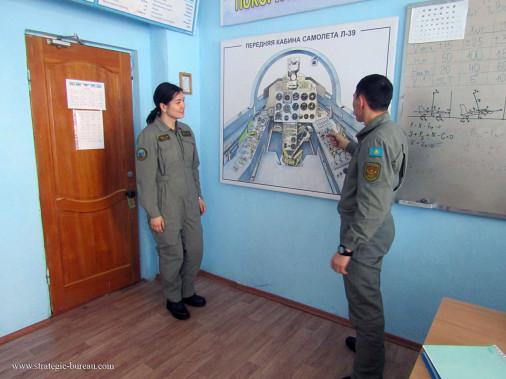 Femme_pilote_Kazakhstan_A104_L-39
