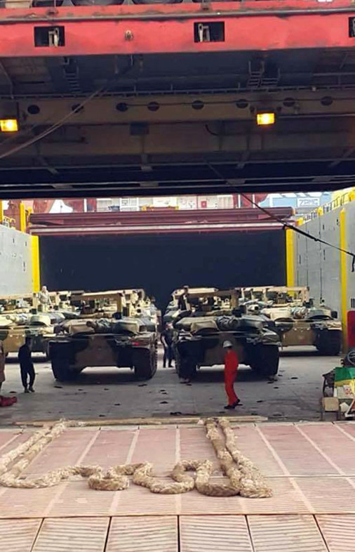 T-90S_char_Russie_A104_Irak