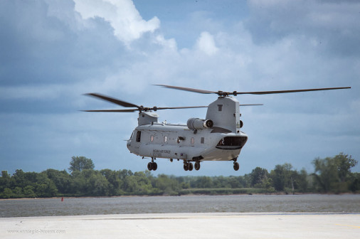 CH-47F_Chinook_USA_A102_Inde