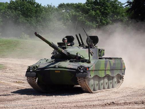 Ikv-91_char-leger_Suede_002