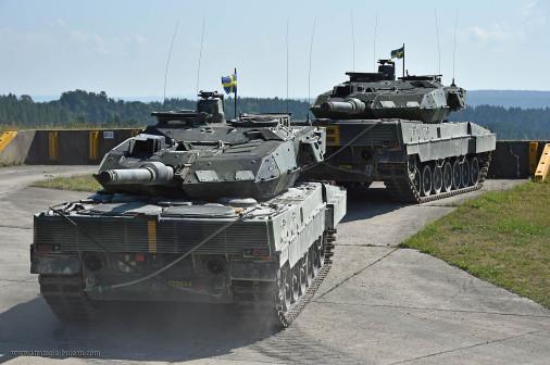 Strv-122_char_Suede_003