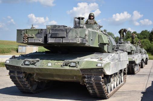 Strv-122_char_Suede_004
