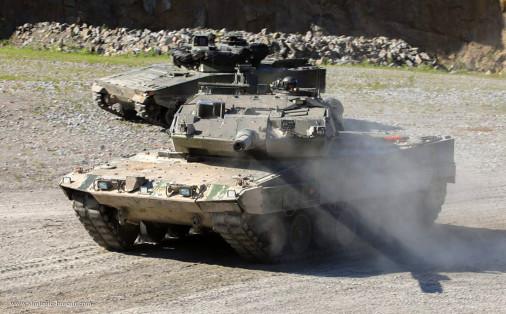 Strv-122_char_Suede_005