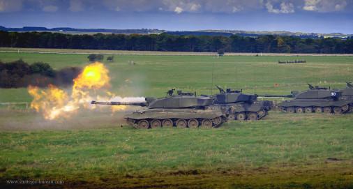 Challenger-2_char_UK_A202_tir