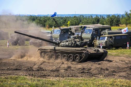 T-72B_char_Russie_A106_Voronej