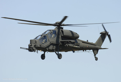 A129_Mangusta_helicoptere_Italie_001