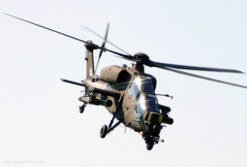 A129_Mangusta_helicoptere_Italie_002