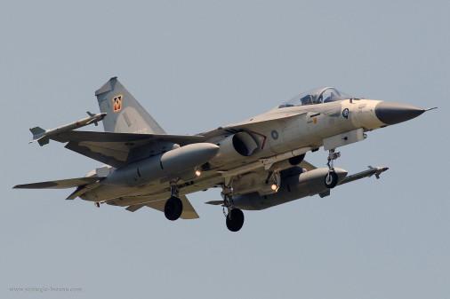 F-CK-1_chasseur_Taiwan_001