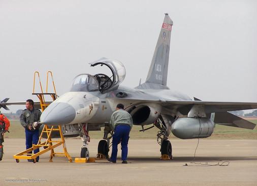 F-CK-1_chasseur_Taiwan_002