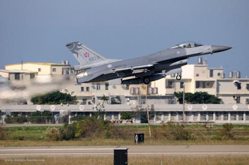 F-CK-1_chasseur_Taiwan_005