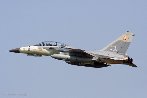 F-CK-1_chasseur_Taiwan_006