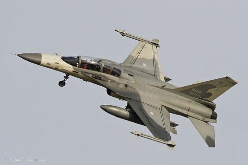 F-CK-1_chasseur_Taiwan_008