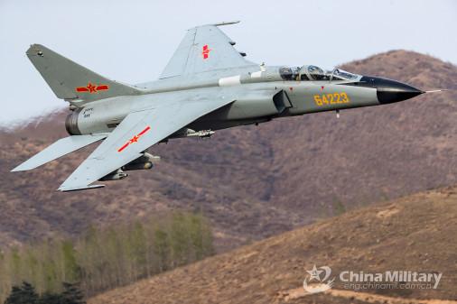 JH-7_bombardier_Chine_002