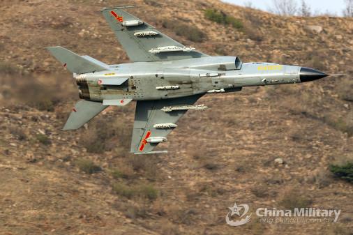 JH-7_bombardier_Chine_004