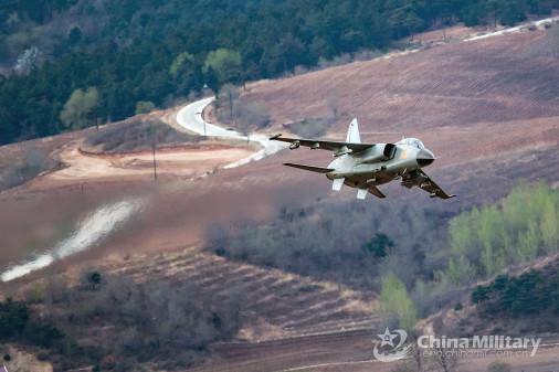 JH-7_bombardier_Chine_008