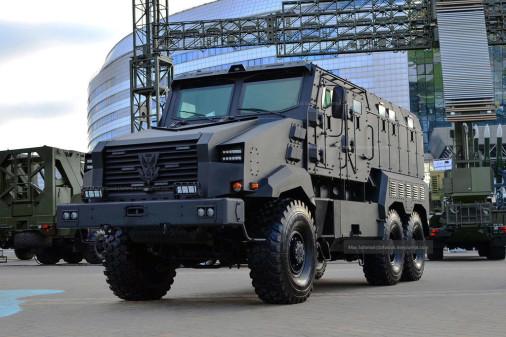 MRAP_Zashtchitnik_Bielorusse_A101