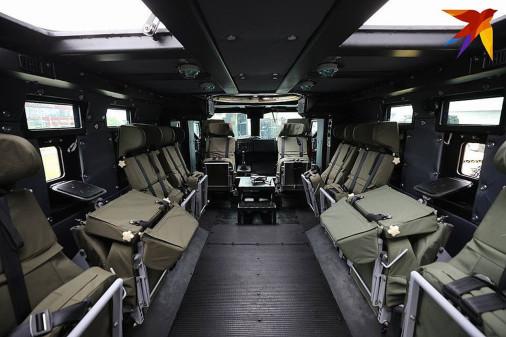 MRAP_Zashtchitnik_Bielorusse_A105