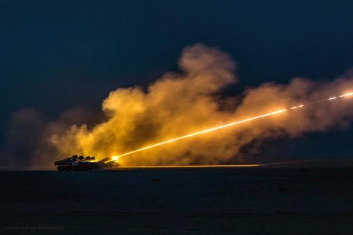 BM-30_Koweït_tir_A101_HIMARS