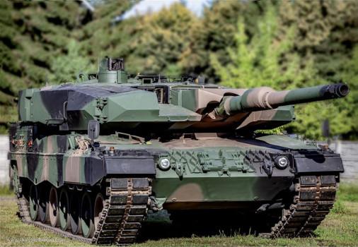 Leopard-2PL_char_Pologne_002