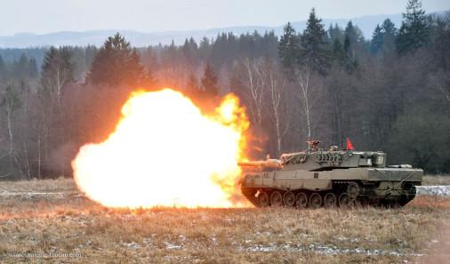 Leopard2A4_char_tir_Autriche_A101