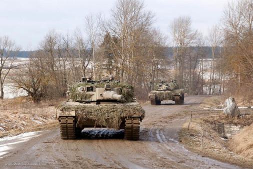 Leopard2A4_char_tir_Autriche_A102