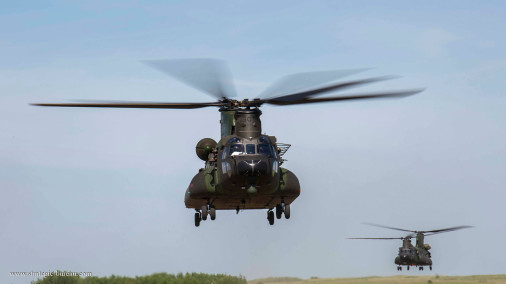 CH-147_helicoptere_Canada_001_CH-47_Chinook