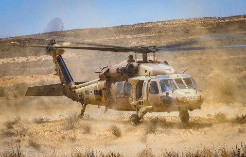 Israel_helicoptere_A102_UH-60_Yanshuf