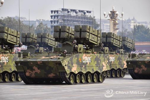 Chine_Defilé-2019_A212_HJ-10
