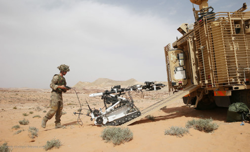 MRAP_Mastiff_Cougar_UK_A102_deminage