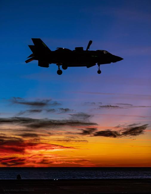 Porte-avions_Queen_Elizabeth_UK_A203_F-35B