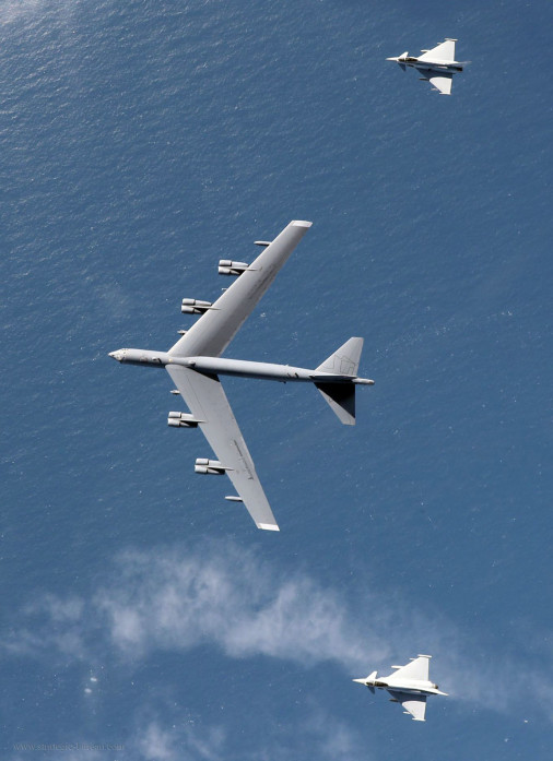 Typhoon_B-52_exersise_A004