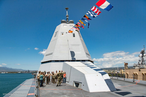 DDG-100_Zumwalt_destroyer_USA_A403
