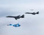B-1B_Lancer_bombardier_USA_A101_Su-27