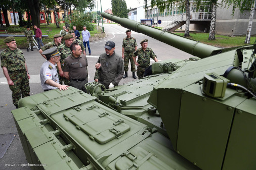 M-84_AS1_char_Serbie_A102