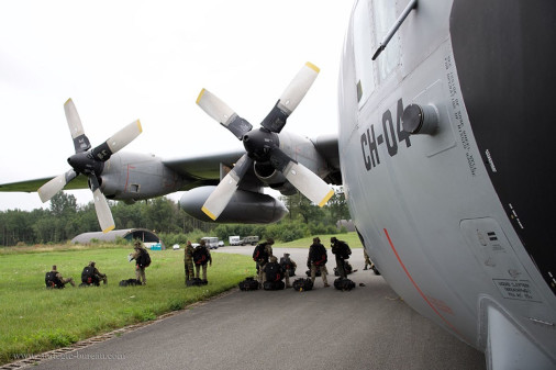 Parachutage_THA_belge_A101_C-130_Hercules