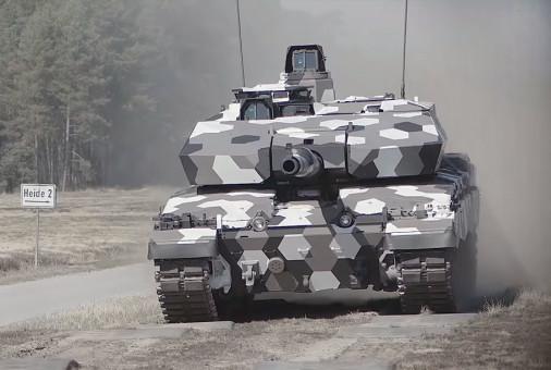 Challenger-2LEP_130mm_Rheinmetall_A100A