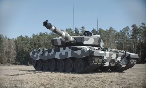 Challenger-2LEP_130mm_Rheinmetall_A101