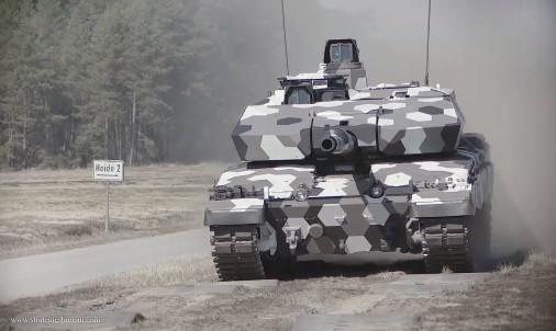 Challenger-2LEP_130mm_Rheinmetall_A103