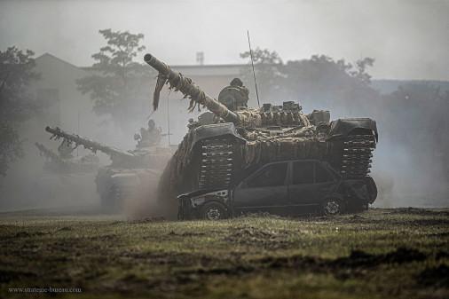 T-72_char_Hongrie_A103_demonstration