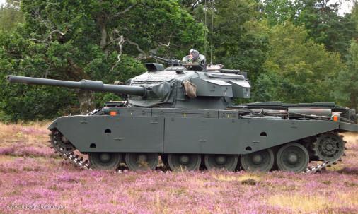 Centurion_Char_UK_003_Strv102
