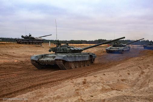 T-72BM_char_Russie_A202_tir_peloton