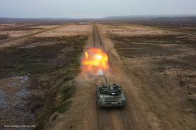 T-72BM_char_Russie_A204_tir_peloton