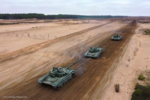T-72BM_char_Russie_A206_tir_peloton