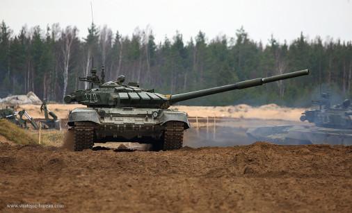 T-72BM_char_Russie_A207_tir_peloton