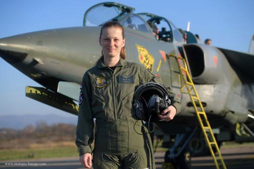Orao_avion_Serbie_A101_femme_pilote