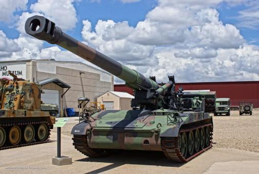 M110_artillerie_USA_005_M110A2