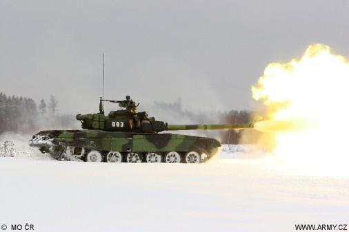 T-72M4CZ_char_Tcheque_A202_tir_hiver