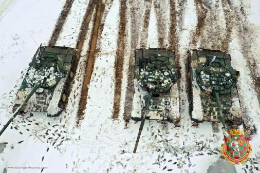 T-72_char_Bielirussie_A102_tir_hiver