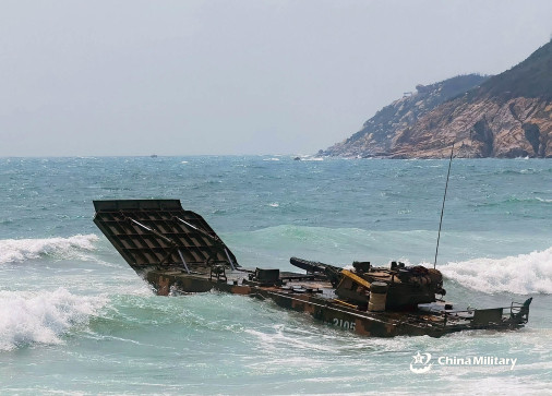 ZBD-05-vbci-amphibie-Chine-003